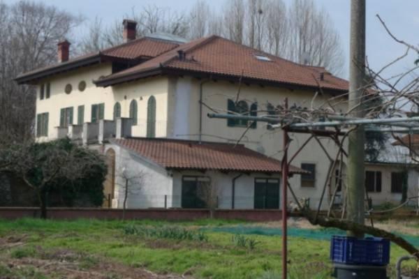 foto  Multi-family villa via Didier, Scalenghe
