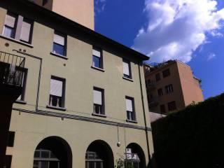 Foto - Trilocale buono stato, primo piano, Piazzale Cesare Battisti, Brescia