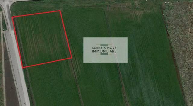 Lotto di terreno artigianale industriale a Candiana, 2300 mq Rif.10470165