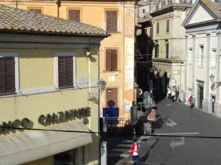 Foto - Trilocale ottimo stato, primo piano, Bracciano