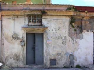 Foto - Trilocale da ristrutturare, piano terra, Corso dei Mille, Palermo