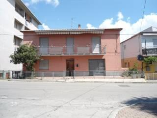 Foto - Villa via Cappuccini 226, Loreto Aprutino