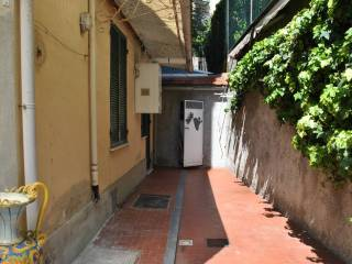 Foto - Bilocale buono stato, piano terra, Castelletto, Genova