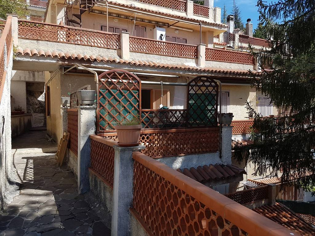 foto ESTERNO 2-room flat good condition, mezzanine, Vallinfreda