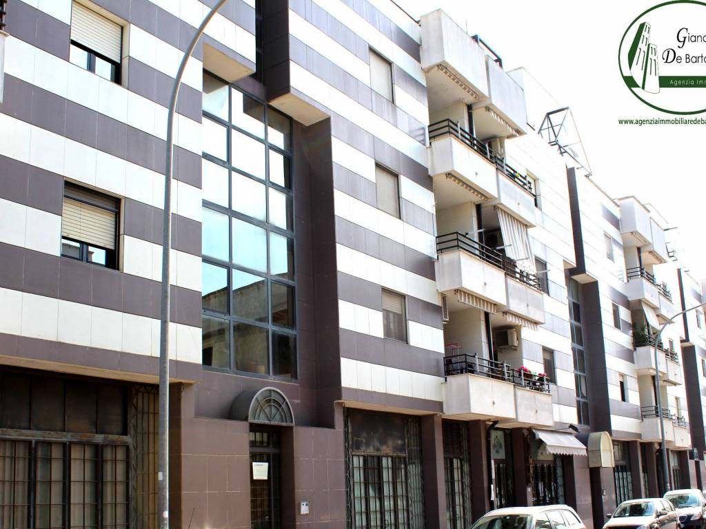 foto STABILE Appartamento viale Giuseppe Di Vittorio 62, Grottaglie