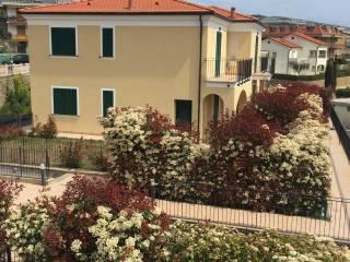 Foto - Bilocale nuovo, piano terra, Riva Ligure