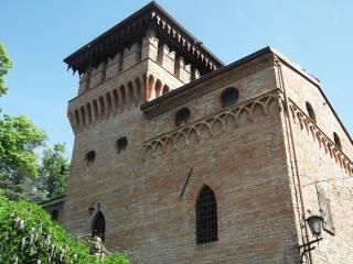 Foto - Palazzo / Stabile tre piani, da ristrutturare, Fiorenzuola D'Arda