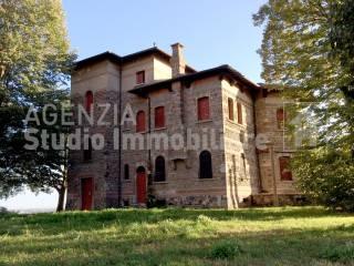 Foto - Palazzo / Stabile, da ristrutturare, Valeggio sul Mincio