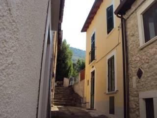 Foto - Casa indipendente via Savoia, Ofena
