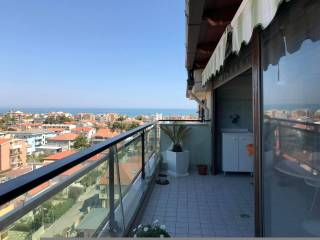 Foto - Attico / Mansarda ottimo stato, 110 mq, Pineta, Pescara
