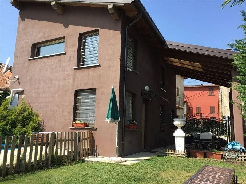 foto  Villa unifamiliare frazione Casa Colomba 14A, Castana