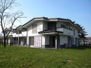 Foto - Appartamento via Giovanni Pascoli 11, Malcantone-brambilla, Concorezzo