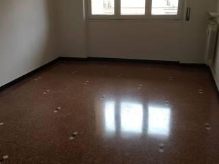 Foto - Trilocale buono stato, sesto piano, Bolzaneto, Genova