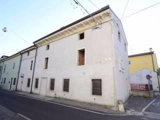 Foto - Casa indipendente via Bandiera, Castelnuovo Del Garda