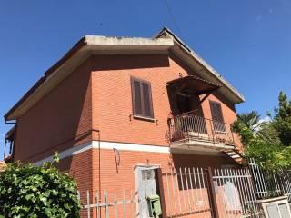 Foto - Trilocale via della Piantata 32, Castel Madama