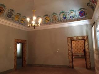 Foto - Palazzo / Stabile tre piani, da ristrutturare, Montalcino