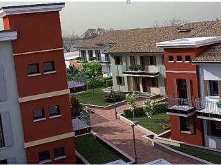 Foto - Trilocale nuovo, piano terra, Mantova