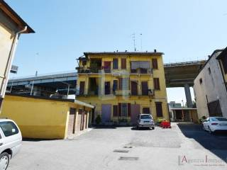 Foto - Palazzo / Stabile via Corelli, Ortica, Milano