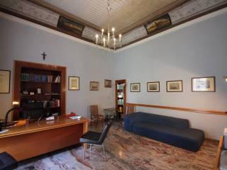 Foto - Appartamento buono stato, secondo piano, Foria, Napoli