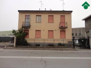Foto - Bilocale da ristrutturare, ultimo piano, Novate Milanese