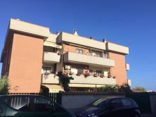 Foto - Trilocale da ristrutturare, secondo piano, Ardea