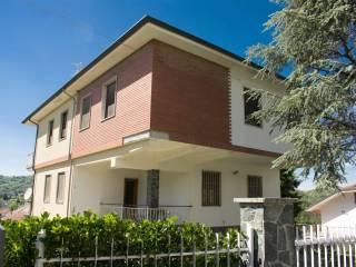 Foto - Villa via Giacomo Leopardi 3, Acqui Terme