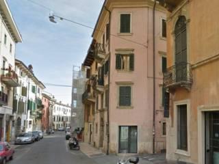 Foto - Quadrilocale buono stato, ultimo piano, Veronetta, Verona