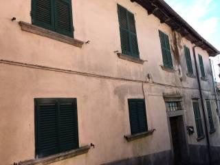 Foto - Palazzo / Stabile tre piani, da ristrutturare, Mergozzo