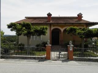 Foto - Palazzo / Stabile quattro piani, buono stato, Piegaro