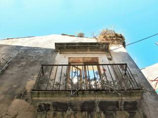 Foto - Palazzo / Stabile due piani, da ristrutturare, Siracusa