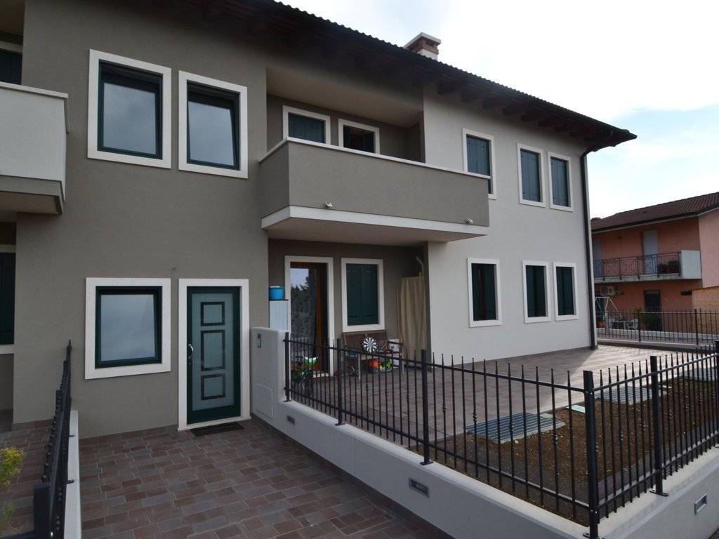 foto  Quadrilocale via Veneto 12, Montecchio Maggiore