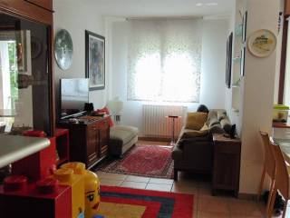Foto - Bilocale ottimo stato, ultimo piano, Quacchio, Ferrara