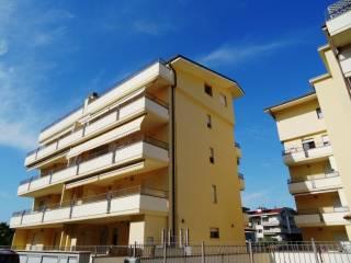 Foto - Quadrilocale via IV Novembre, Tortoreto