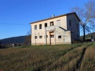 Foto - Rustico / Casale, da ristrutturare, 250 mq, Foligno