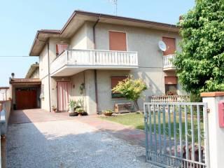Foto - Villa via Grandi 69, Serravalle, Berra