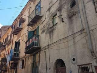 Foto - Palazzo / Stabile tre piani, da ristrutturare, Maqueda, Massimo, Palermo
