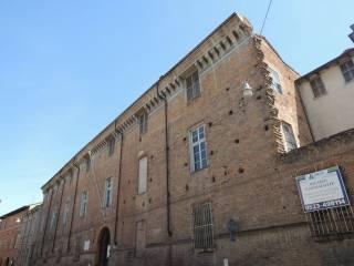 Foto - Palazzo / Stabile tre piani, da ristrutturare, Corso Vittorio Emanuele II - Piazza dei Cavalli, Piacenza