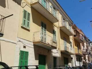 Foto - Palazzo / Stabile quattro piani, da ristrutturare, San Giovanni Rotondo