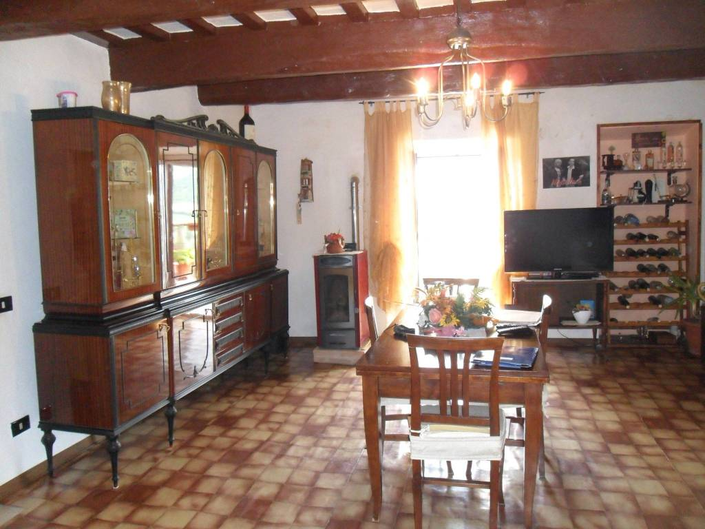 foto  Haus 122 m², Renovierung notwendig, Costacciaro