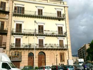 Foto - Trilocale buono stato, terzo piano, Piazza Marina, Alloro, Palermo