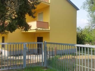 Foto - Casa indipendente 200 mq, buono stato, Loreto Aprutino
