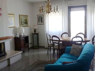 Foto - Quadrilocale buono stato, primo piano, Brecce Bianche, Ancona