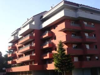 Foto - Quadrilocale via Fratelli Cervi, Milano Due, Segrate