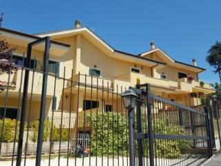 Foto - Villetta a schiera, nuova, Albano Laziale