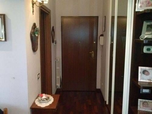 foto ingresso Trilocale ottimo stato, sesto piano, Milano