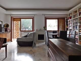 Foto - Appartamento buono stato, quarto piano, Piazza dei Navigatori, Roma