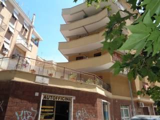 Foto - Bilocale buono stato, quarto piano, Quadraro, Roma