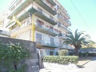 Foto - Quadrilocale buono stato, secondo piano, Ognina, Catania