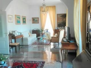 Foto - Appartamento ottimo stato, quarto piano, Quadrilatero, Genova