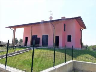 Foto - Villetta a schiera via per Nebbiuno 39, Massino Visconti